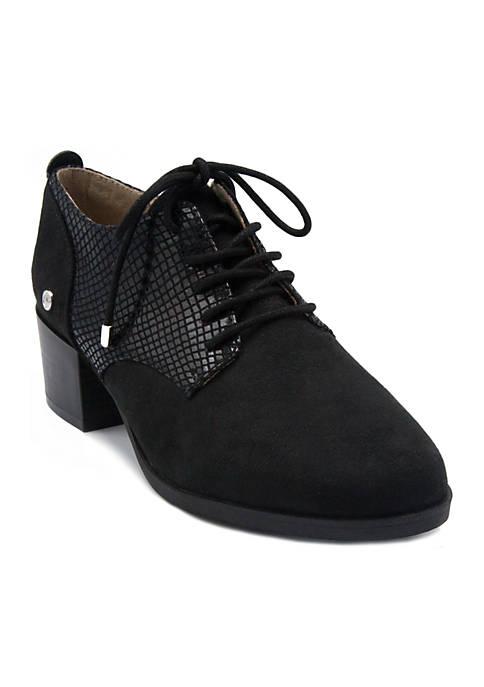 Gloria Vanderbilt Quinn Oxford Dress Shoe