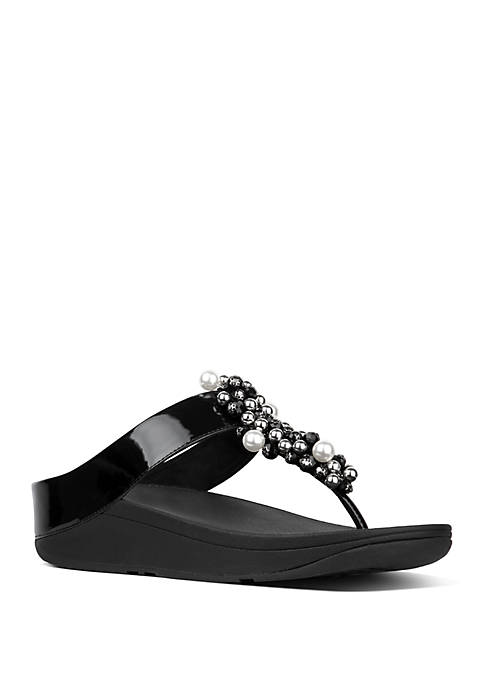 FitFlop Deco™ Pearlised Patent Toe Thong Sandals