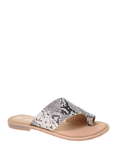 Chinese Laundry Gemmy Flat Sandals