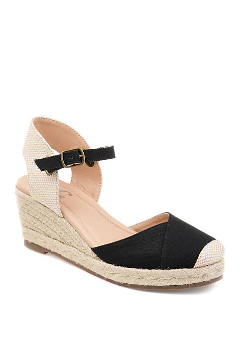 Journee Collection Comfort Ashlyn Wedge