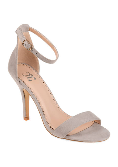 Journee Collection Polly Pumps