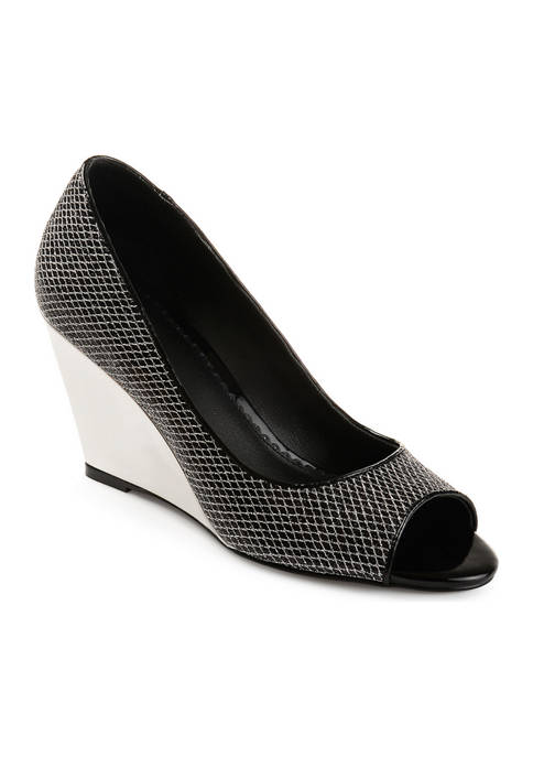Journee Collection Selma Wedges