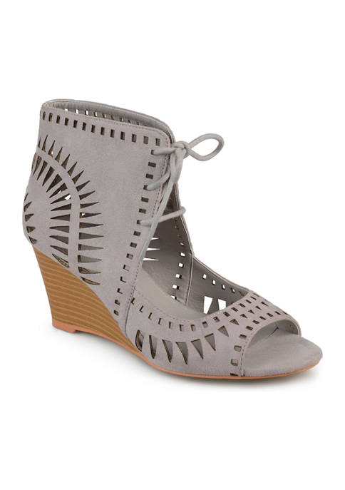 Journee Collection Zola Wedges