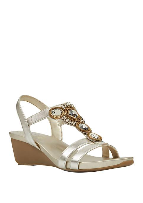 Bandolino Hambly Wedge Sandals