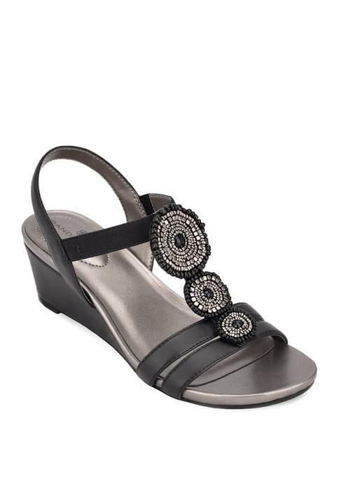 Bandolino Izumi Sandals