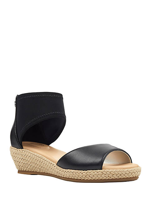 Bandolino Sidney Wedge Sandals