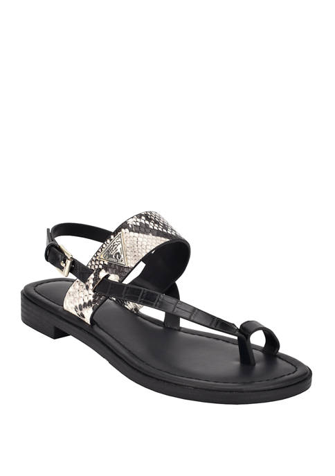 Geesa Toe Ring Flat Sandals