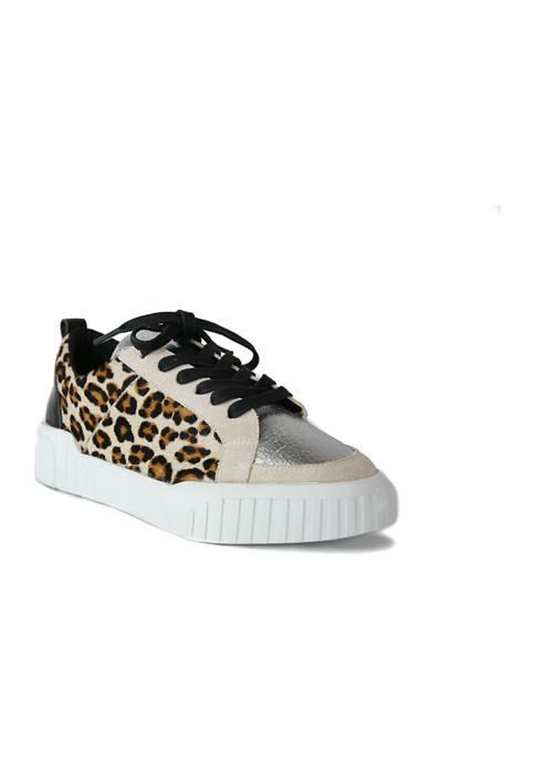Mars Sneakers