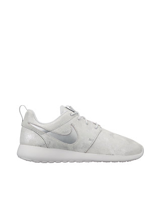 official photos 34093 a9a71 Roshe One Premium Shoe