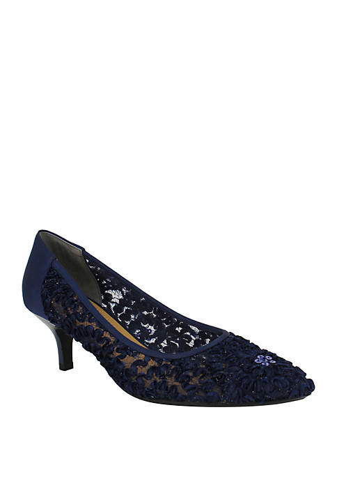 Daray Lace Pumps