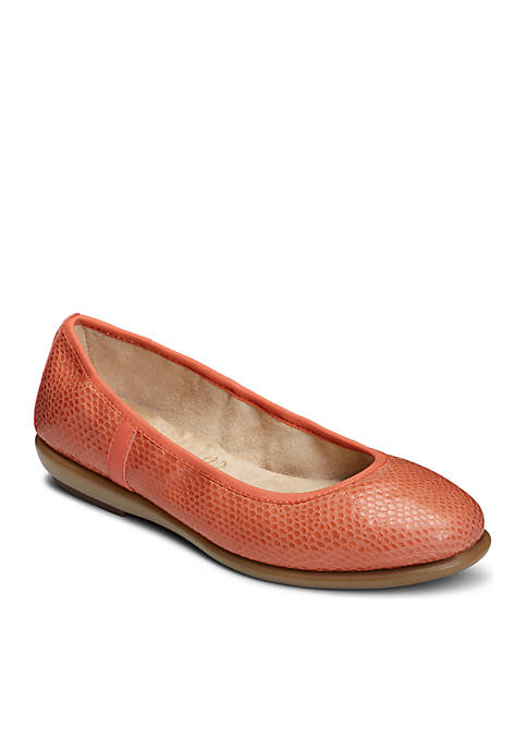 AEROSOLES® Better Yet Flat