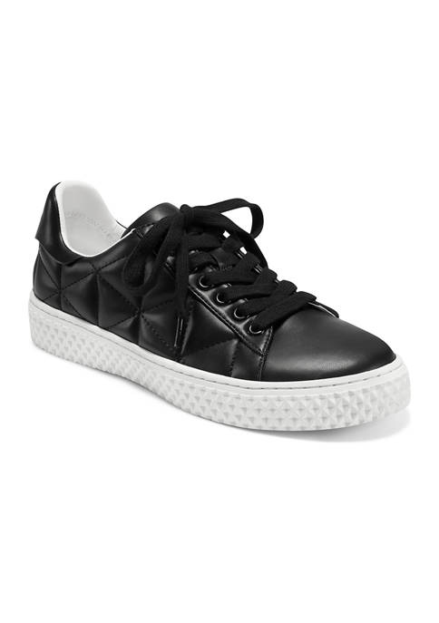 Eve Sneakers
