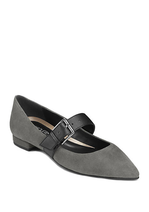 Final Score Pointed Toe Flat Shoes