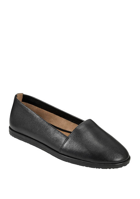 AEROSOLES® Holland Flats