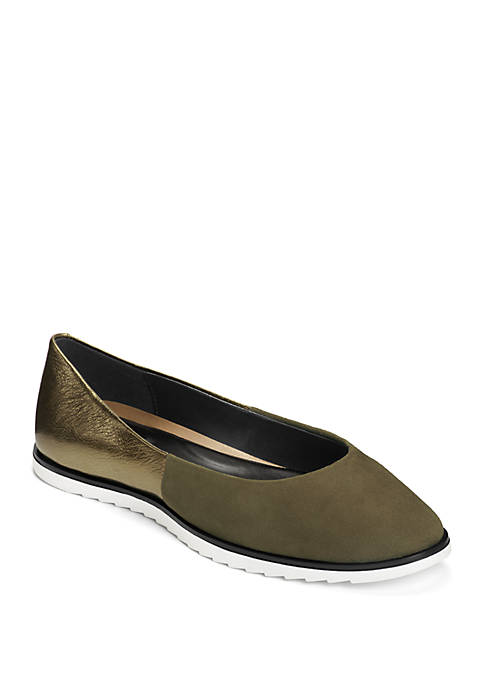 AEROSOLES® Night Spell Flats