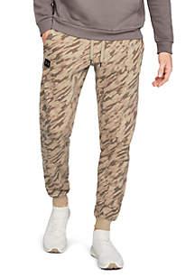 Rival Fleece Camouflage Jogger
