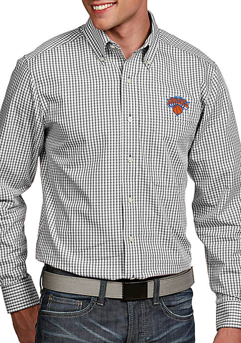 Antigua® New York Knicks Mens Associate LS Woven