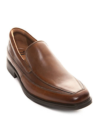 Clarks Tilden Free Slip On Shoe - Available in Extended Sizes 0Jalgr