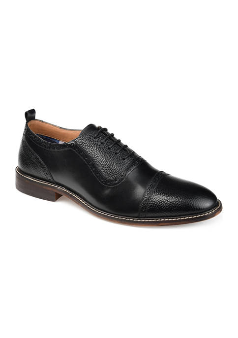 Journee Collection Lincoln Cap Toe Oxfords