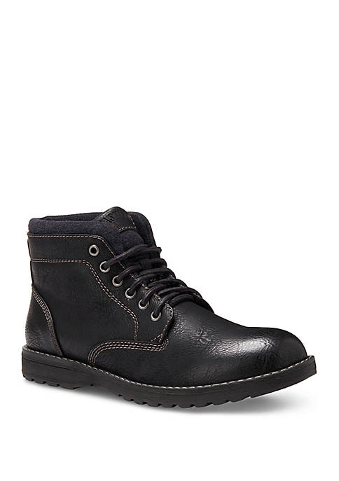 Finn Chukka Boots