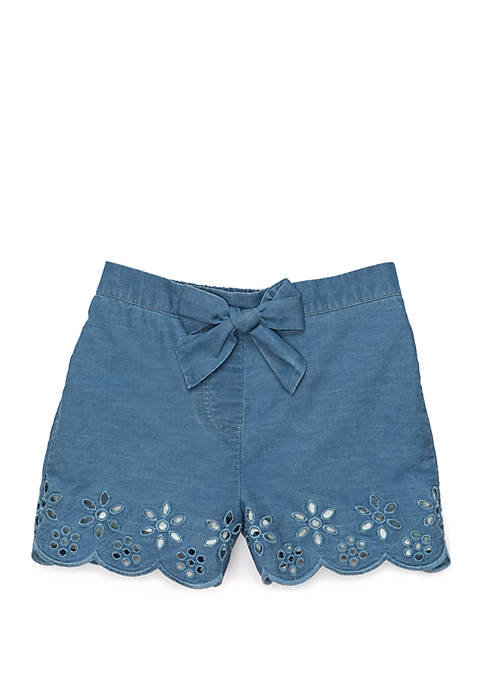 Crown & Ivy™ Toddler Girls Scallop Hem Shorts