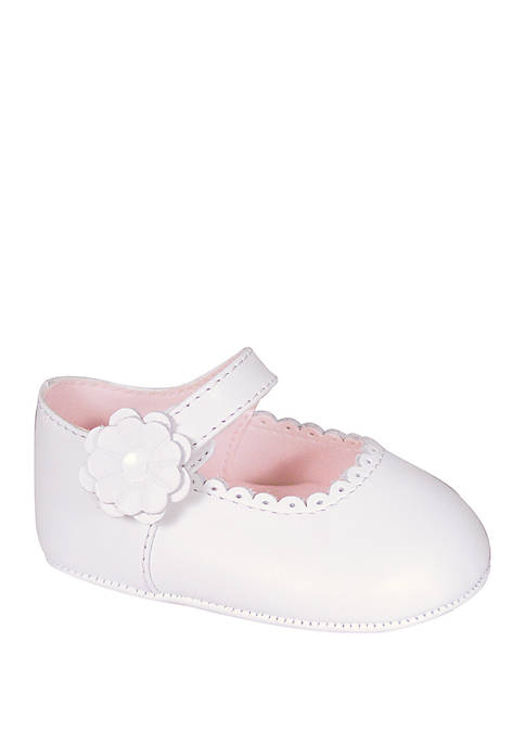 Crown & Ivy™ Baby Girls White Scallop Mary