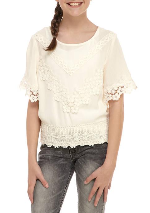 Belle du Jour Girls 7-16 Short Sleeve Crochet