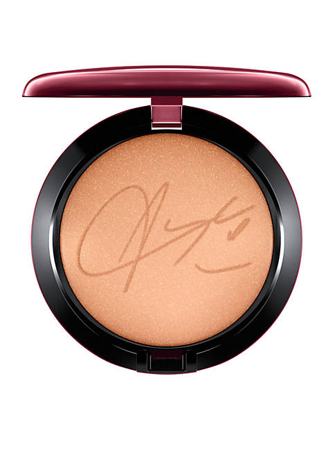 MAC Bronzing Powder / Aaliyah