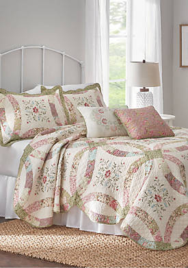 Eve Ivory and Sage Quilt