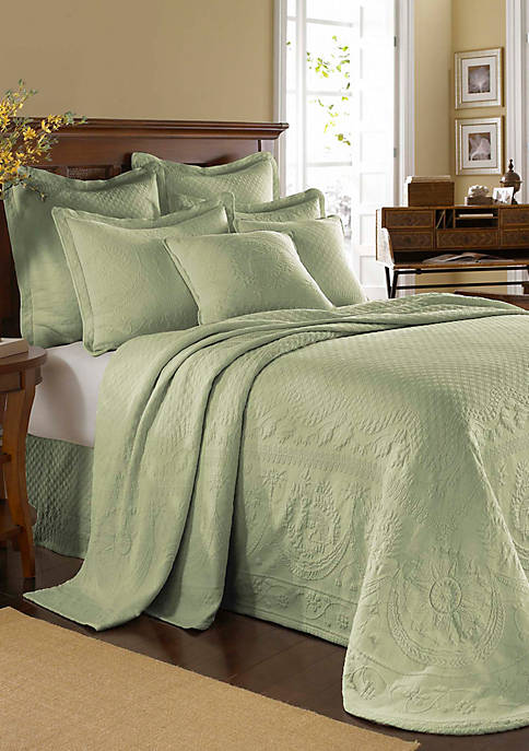 Ellery Homestyles KC Matlsse Coverlet King Sage