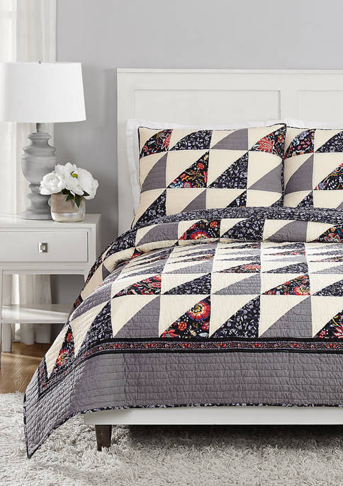 Foxwood Flying Geese Quilt Set