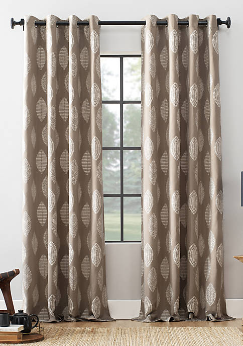 Archaeo Herringbone Leaf Curtain