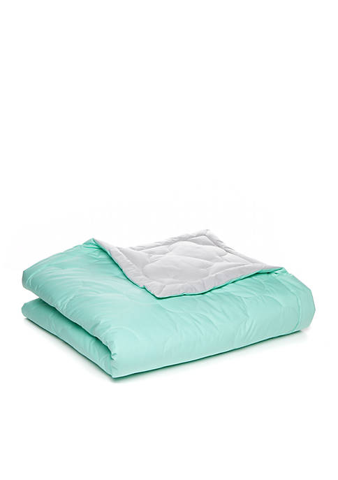 Crown & Ivy™ Clover Reversible Blanket