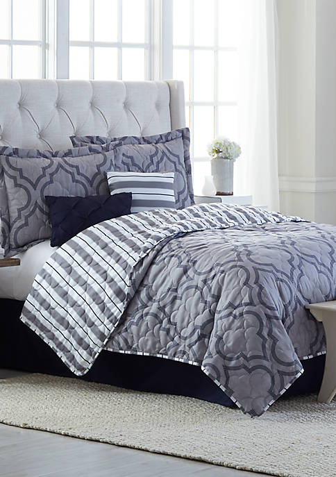 Modern. Southern. Home.™ Chase 6 Piece Quilt Bed