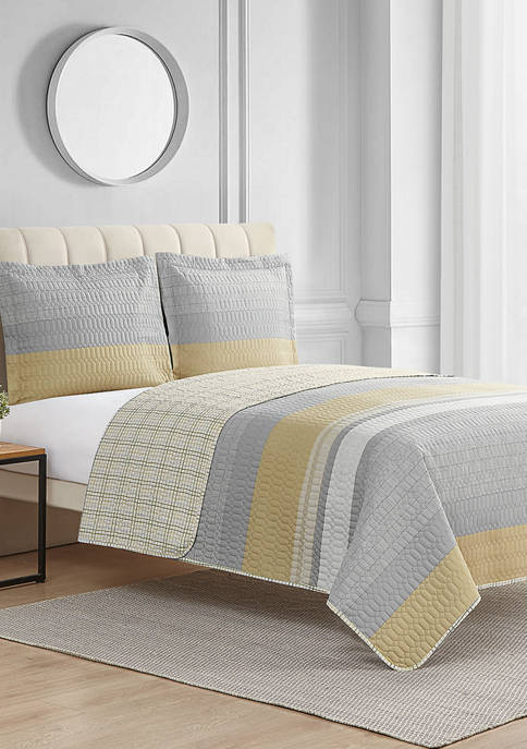 Modern. Southern. Home. Messina Reversible 3 Piece Quilt Set