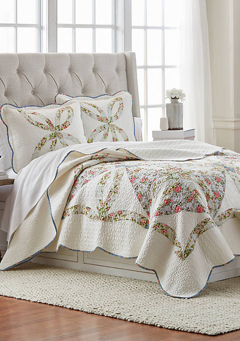 Modern. Southern. Home.™ Sadie Quilt