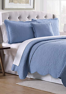 Modern. Southern. Home.™ Scalloped Tiles Quilt