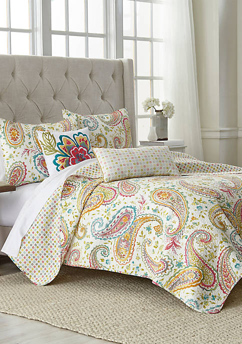 Modern. Southern. Home.™ Kaylee Paisley Quilt