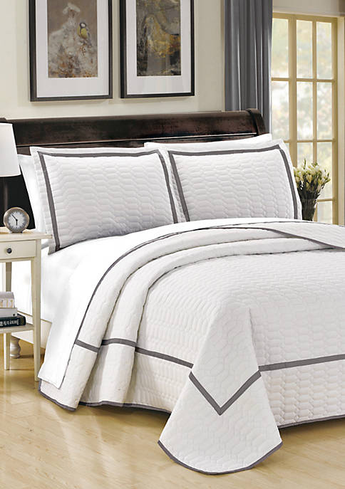 Chic Home Birmingham Quilt Set- White
