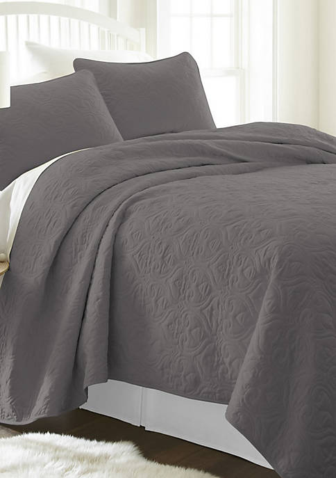 Premium Ultra Soft Damask Pattern Quilted Coverlet Set