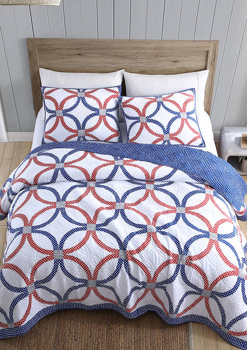 Modern. Southern. Home.™ Americana Ring Quilt