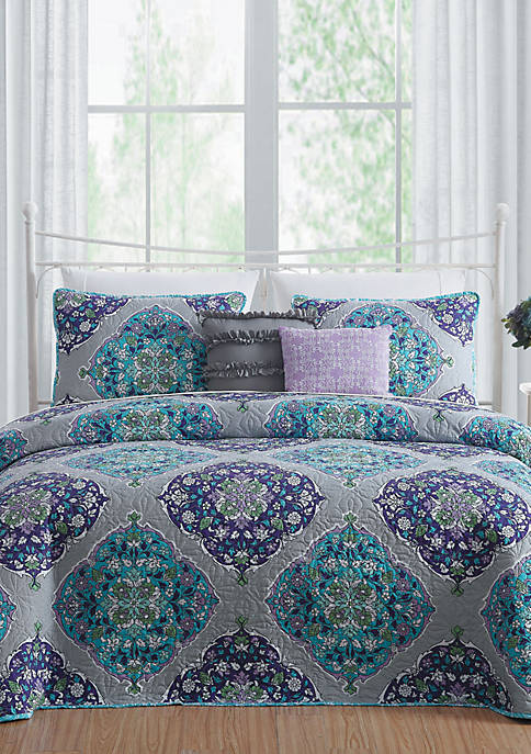 Chrissa Quilt Set