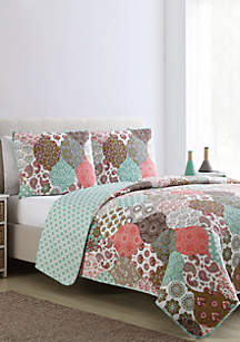 VCNY Home Wonderland Quilt Set