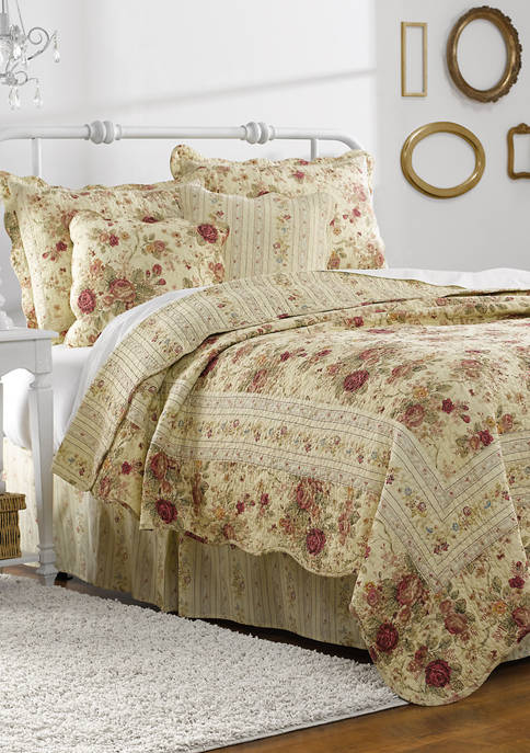 Antique Rose Quilt Set with Bonus Pillows