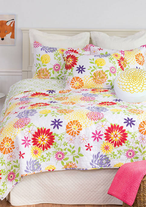 C&F Lilly Floral Quilt Set