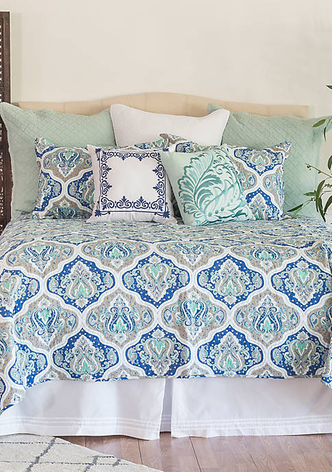 C&F Home Renee Quilt Set