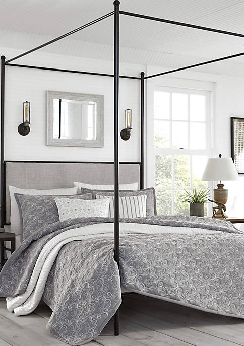 Laurel Bedding Collection