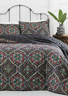 Nairobi Ogee Quilt Collection