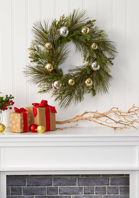 Sparkling Pine Wreath with Decorative Ornaments