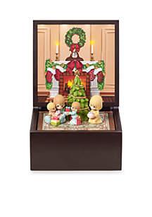 Ne'Qwa Art PM Family Christmas Music Box Lighted
